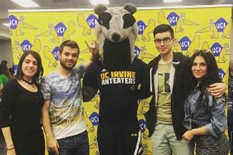 Estudiantes internacionales de los cursos de inglés de la Universidad de California Irvine UCI