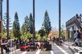 Estudiantes internacionales en el Campus de UCI