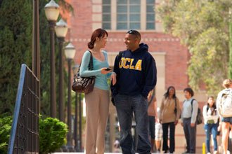 International students from the Certificate Programs walking on UCLA campus