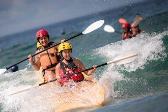 estudiantes programa de intercambio universidad de california san diego actividad recreativa en la playa