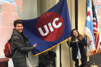 Graduación de los cursos de inglés en UIC Chicago
