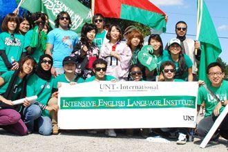 Estudiantes internacionales cursos de inglés de Universidad de North Texas