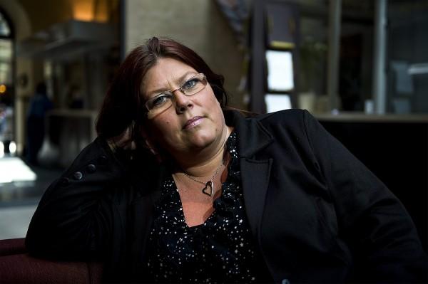 CARINA HÖGLUNDS TVIST MED STATEN