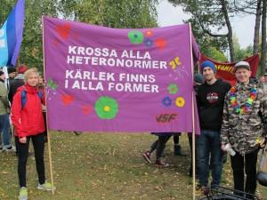 Vänsterns Studentförbund (VSF) på Umeå Pride 2013.