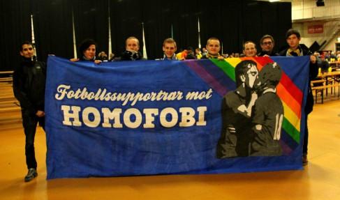 Fotbollssupportrar mot homofobi