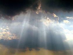 250px-Sky_over_Washington_Monument