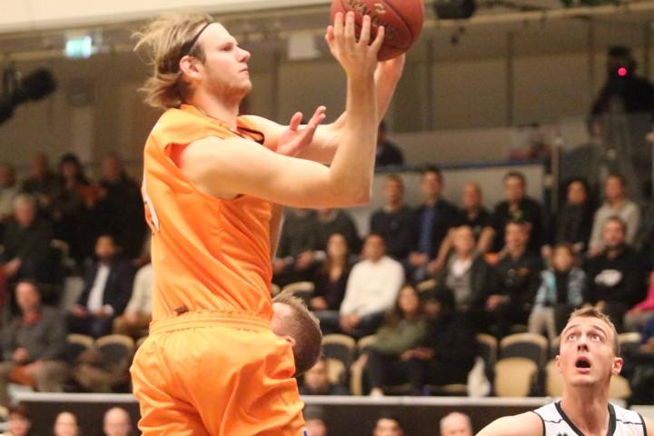 Basketklubb i kris hoppas pa supporterpengar
