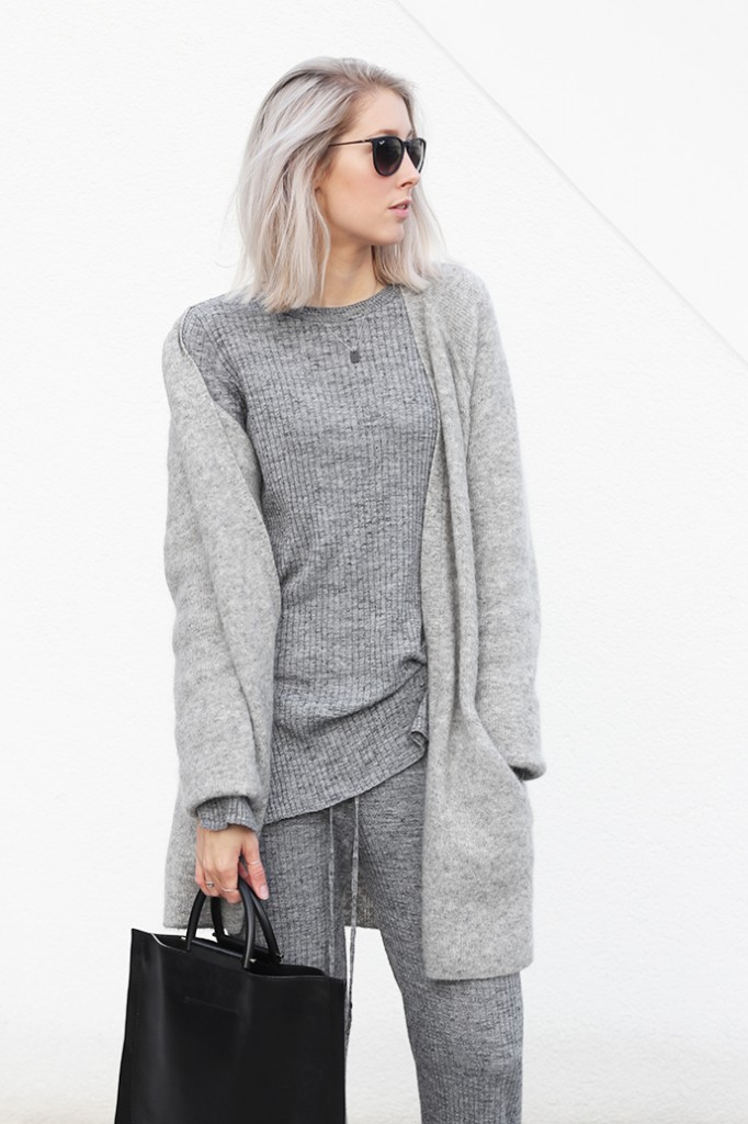 all_grey_knitted_look_31