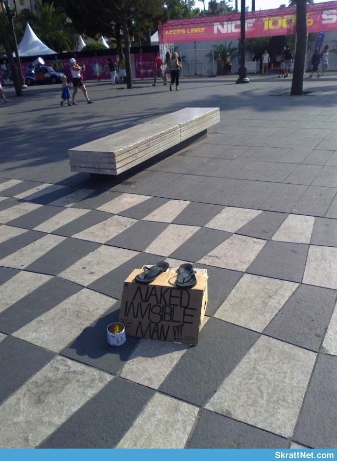 www-skrattnet-se-naken-osynlig-kille-1344600530