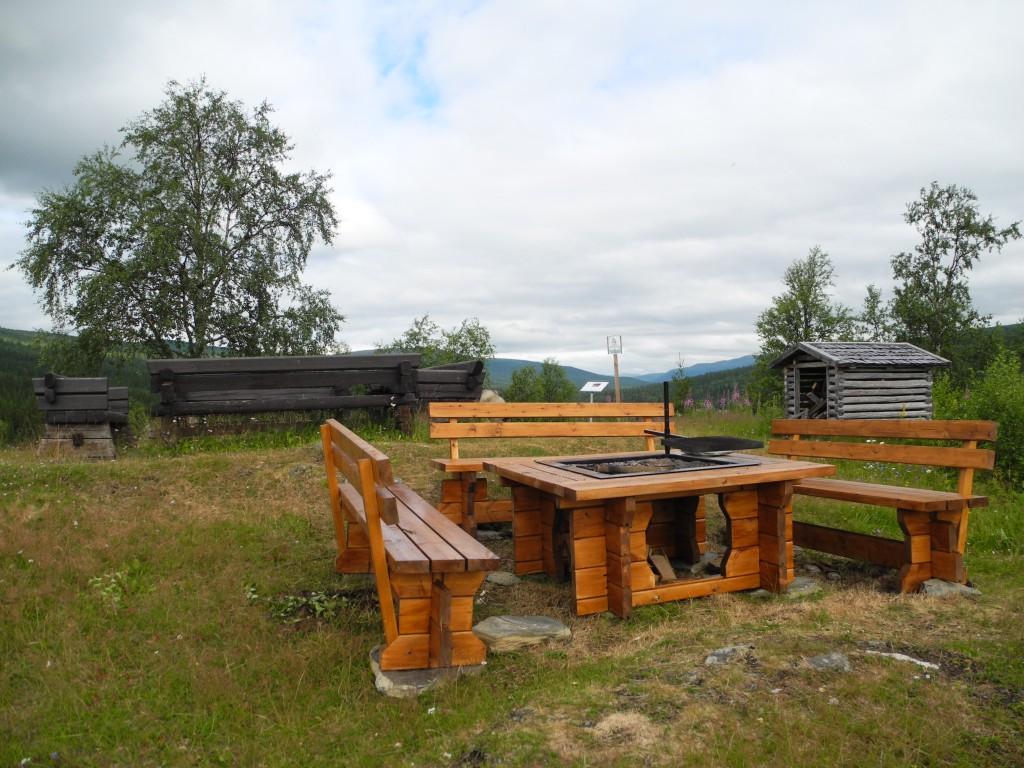 Ny grillplats Potatisbacken juli 2014 004