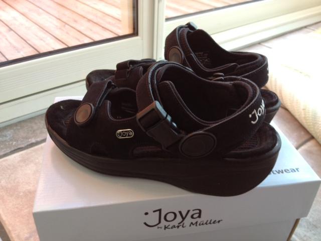 sandaler med uppbyggd hålfot