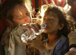 flykting flicka