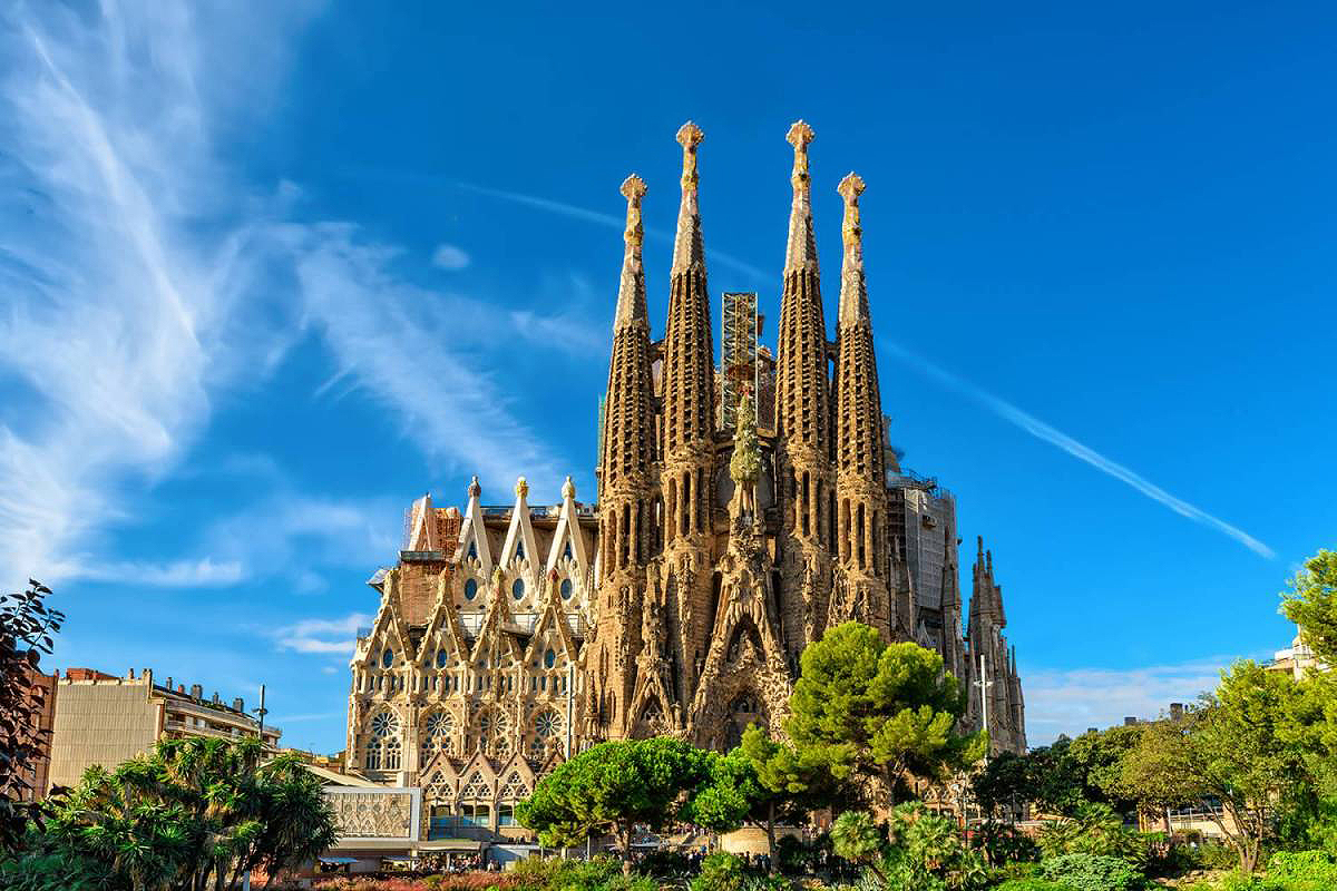 15destinos-sagrada_familia-barcelona-principal_y_apertura-1200x800
