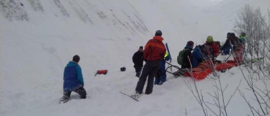 Begravdes under snömassorna