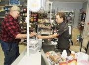Gratisjobb kan rädda affären
