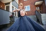 Lämnar över till dottern efter 64 år