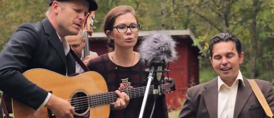 Sideshow Stringband i livevideo