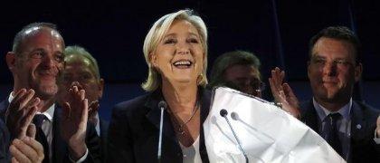 Le Pen och Macron vidare