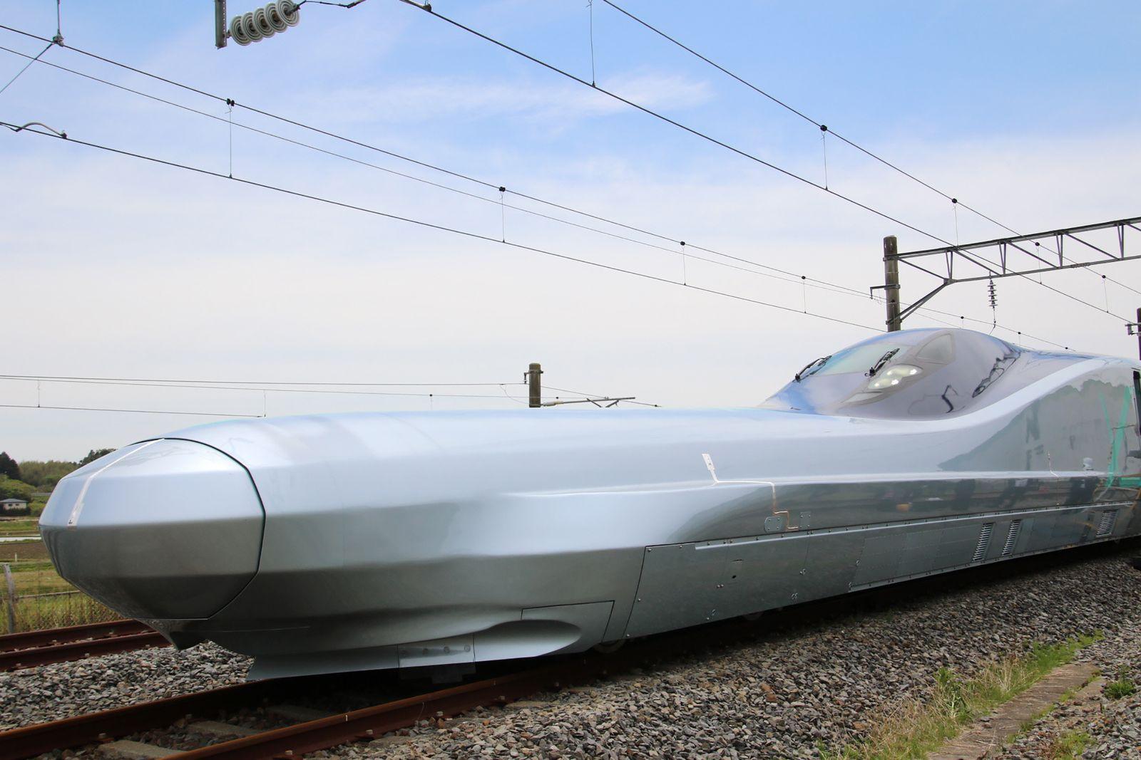 รถไฟความเร็วสูง_ญี่ปุ่น.jpg