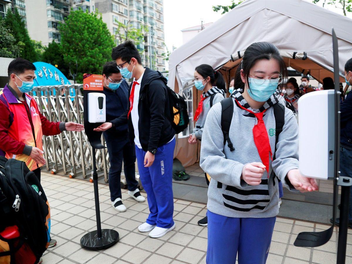 นักเรียนในเซี่ยงไฮ้_AFP