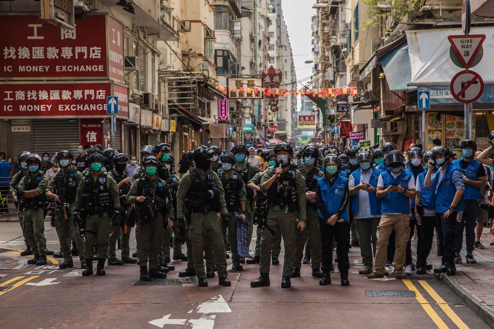 ตำรวจฮ่องกง การประท้วงฮ่องกง.jpg