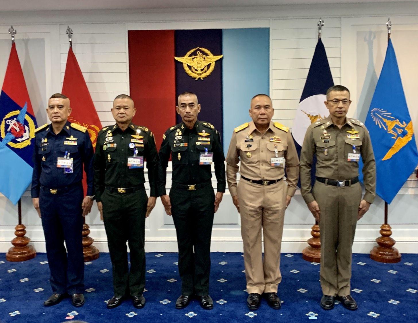 ผู้นำเหล่าทัพ สภากลาโหม  กองทัพบก กองทัพ ตำรวจ ทหาร ณรงค์พันธ์ เฉลิมพล สุวัฒน์ -1A0D-42B6-B763-3D4626C2CFE2.jpeg