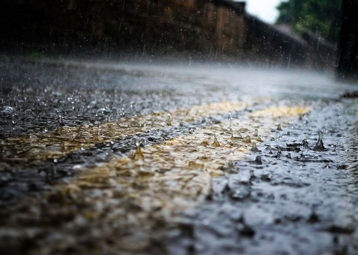 ห่วงเด็ก ผู้สูงอายุและผู้ที่ช่วยเหลือตัวเองไม่ได้ช่วงฝนตก หวั่นจมน้ำ ลื่นล้ม
