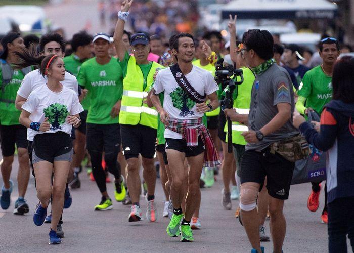 'ตูน บอดี้สแลม' นำวิ่งกิจกรรม 'ก้าวคนละก้าว' ภาคอีสาน เน้นคนไทยดูแลสุขภาพ