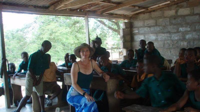 Volunteer with school kids