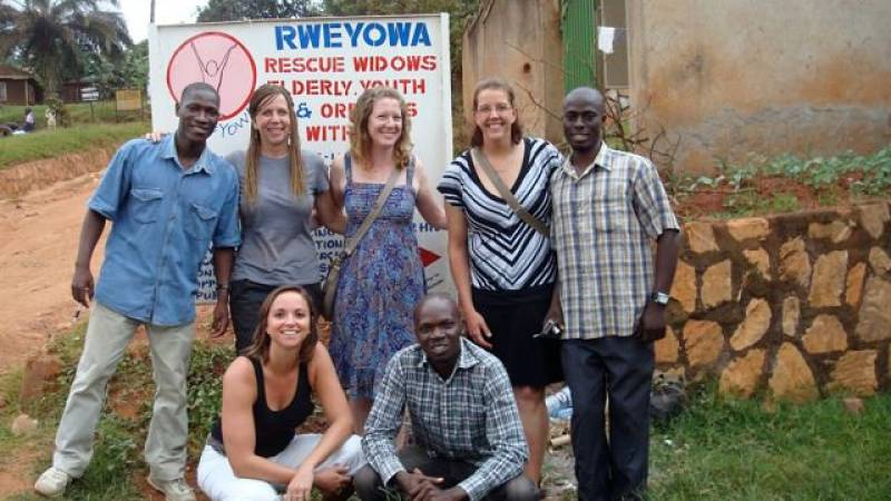 RWEYOWA guys with a team of volunters from USA