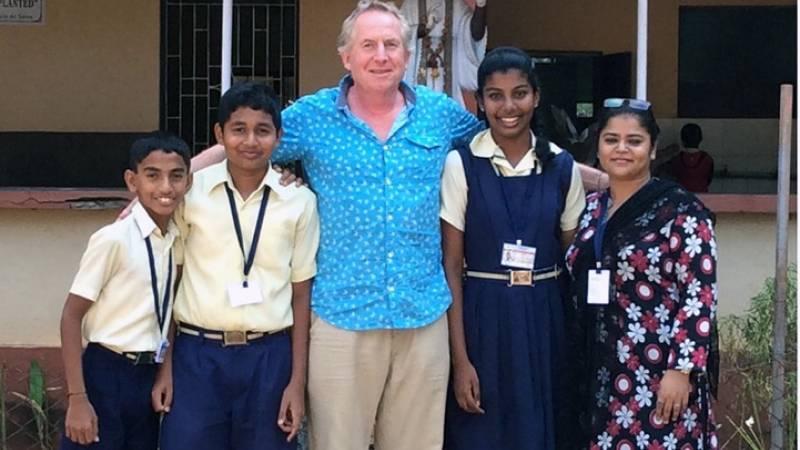 Volunteers with Kids - 4