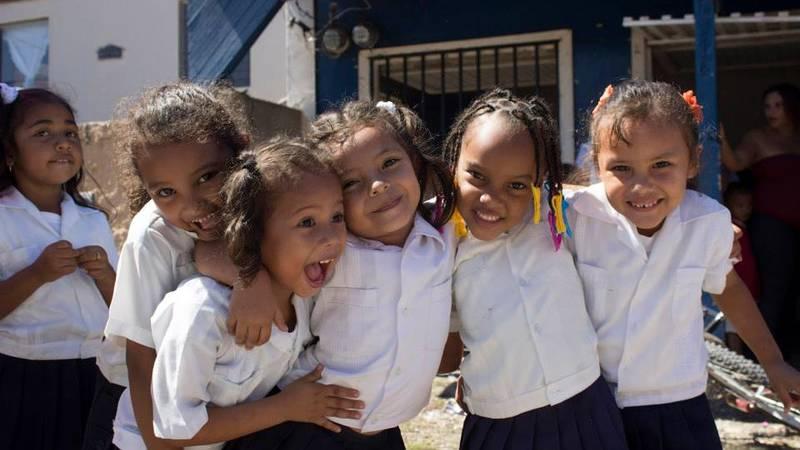 School girls in El Porvenir
