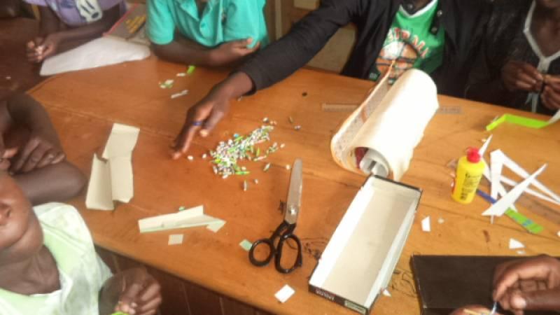 children making artcrafts