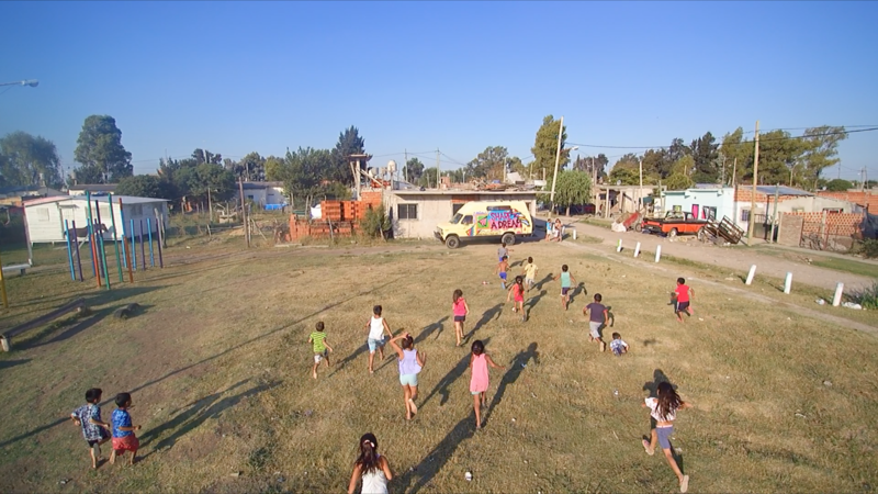 Kids running (photo from above)