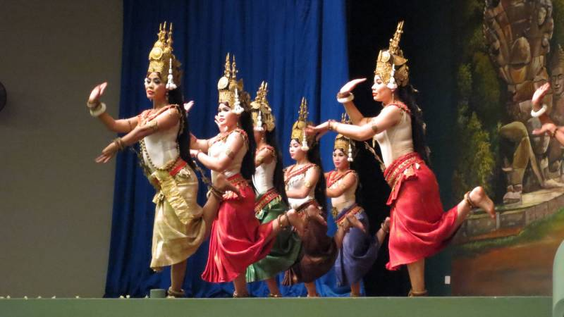 Free time-see Apsara dance