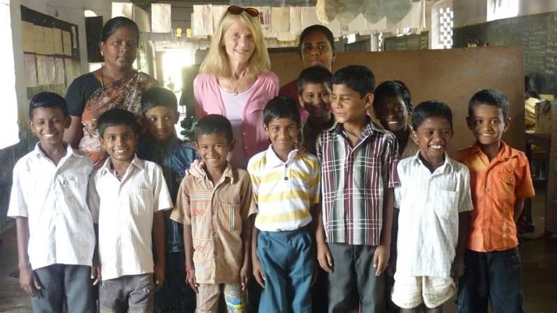 Volunteers with Kids - 3