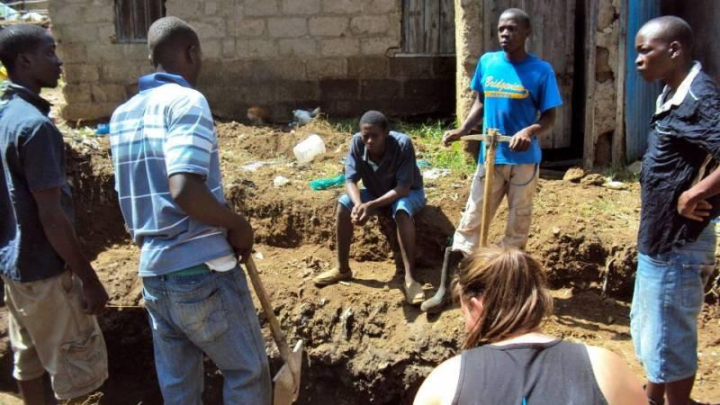 Building a community toilet in Nyalenda slum