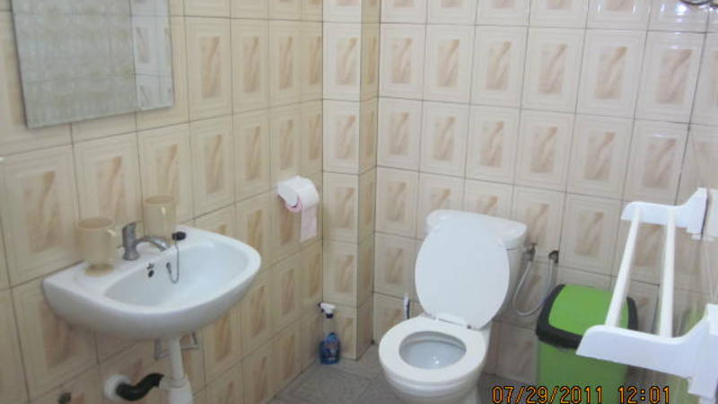 Bath room side