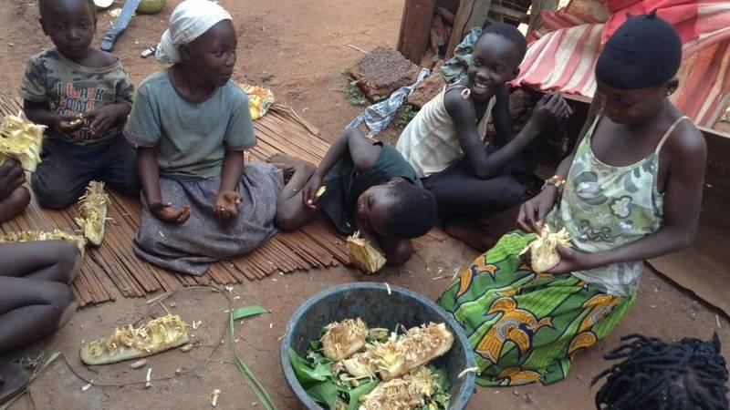 Children having jackfruit for lunch