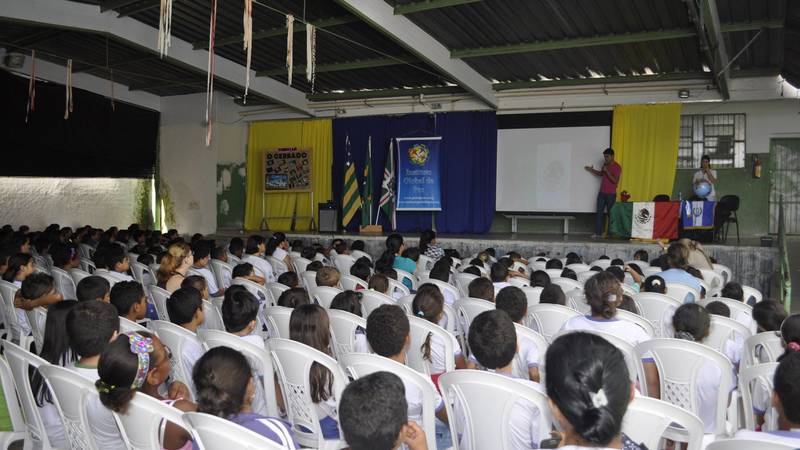 volunteer school presentation