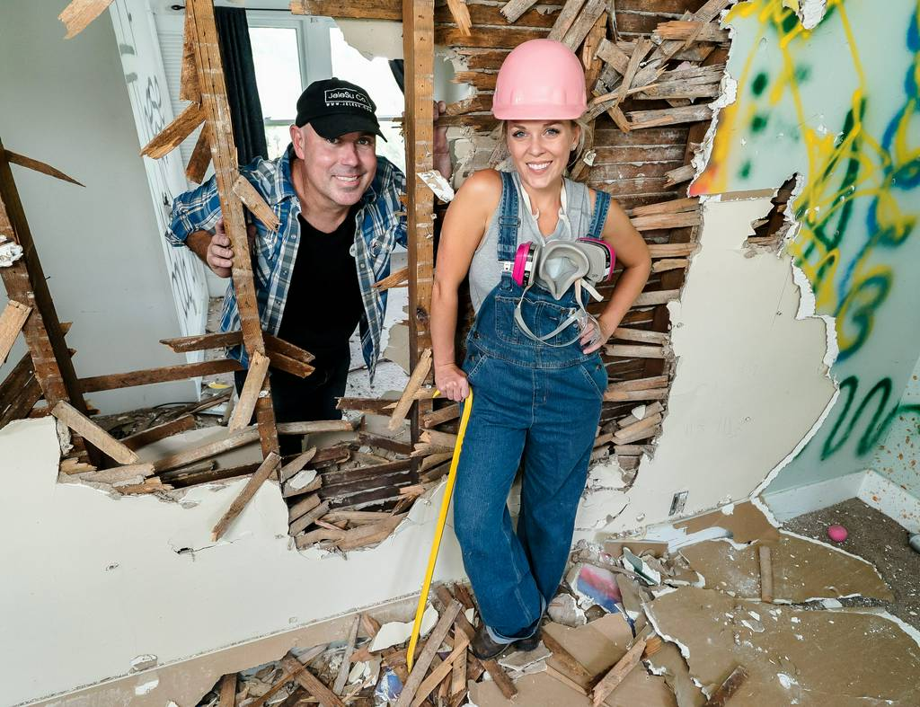 Masters of Flip: Hey Canada! The wait is officially over- tune into HGTV Canada tonight at 10pm ET|PT fo...