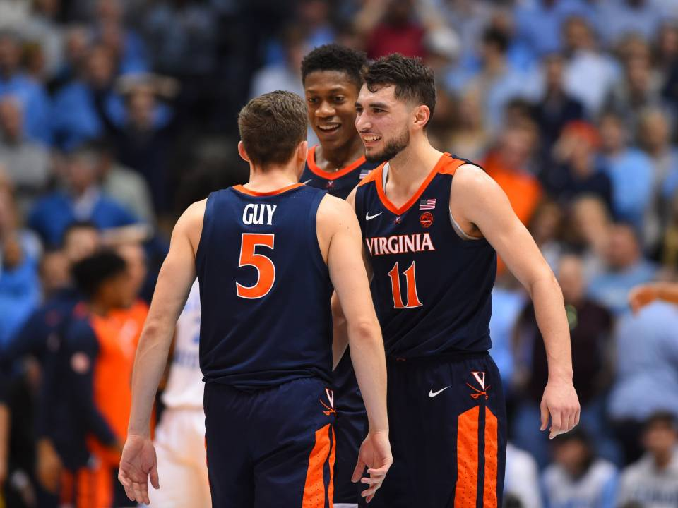 Virginia Cavaliers NCAA Basketball: Virginia-North Carolina score: No. 4 Cavs hold off No. 8 Tar Heels behind Kyle Guy's cl...