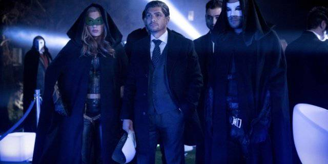 Arrow: 'Arrow' Travels to the Future in 'Star City 2040' Photos.  The CW has released a batch ...