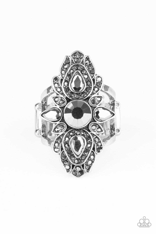 Paparazzi Glam Demand - Silver (100)