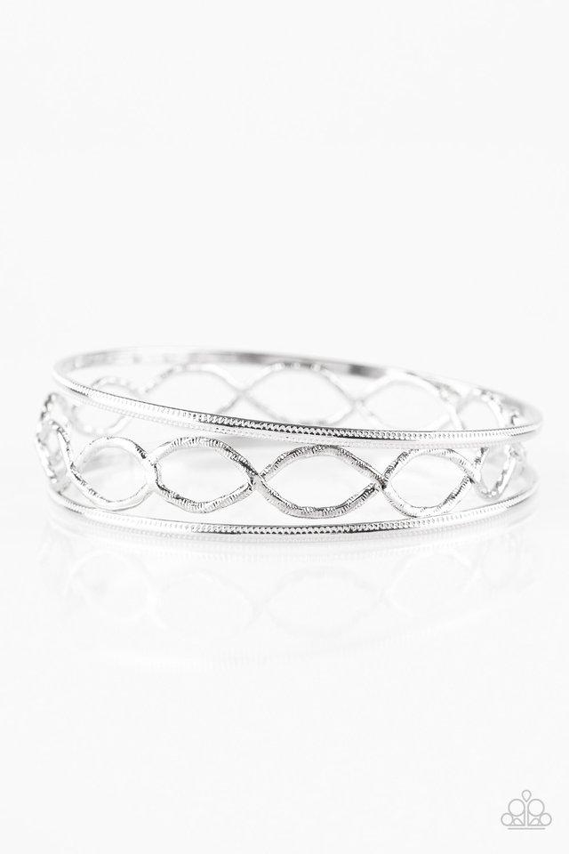 Metal Manic - Silver - Paparazzi Bracelet Image