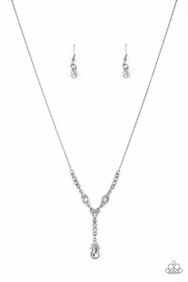 Diva Dazzle - White - Paparazzi Necklace Image