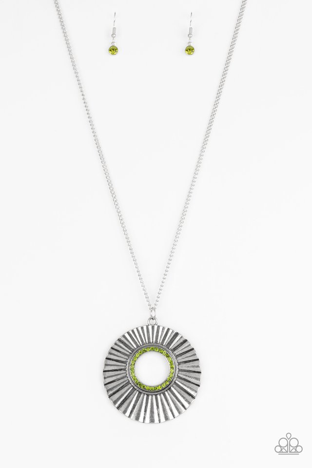 Chicly Centered - Green - Paparazzi Necklace Image