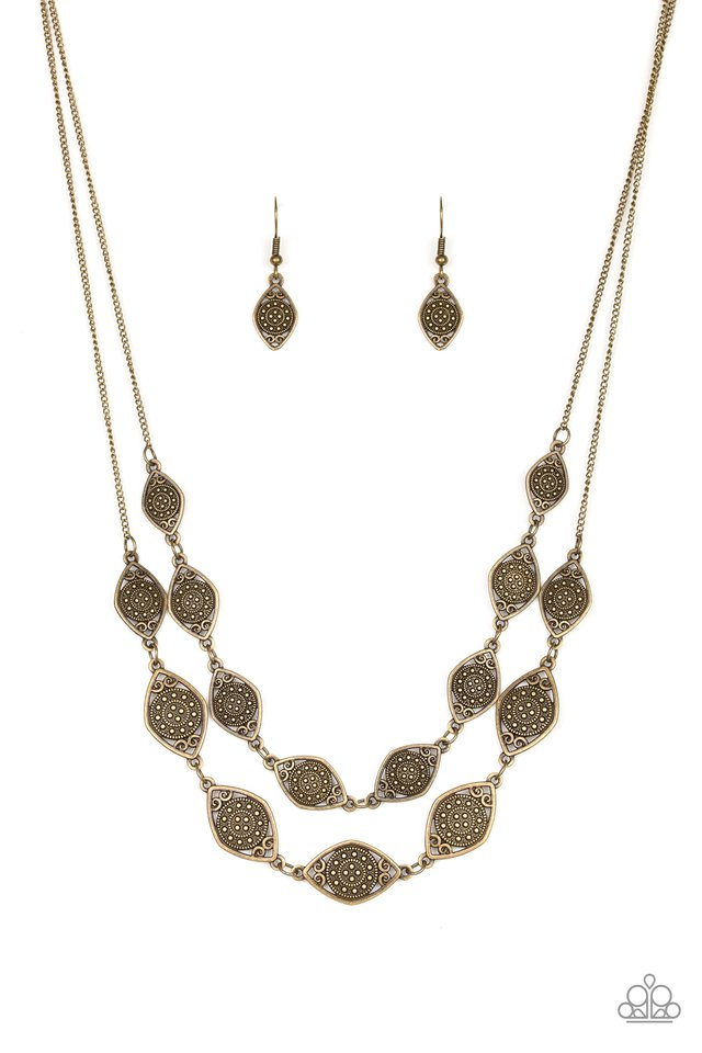 Make Yourself At HOMESTEAD - Brass - Paparazzi Necklace Image