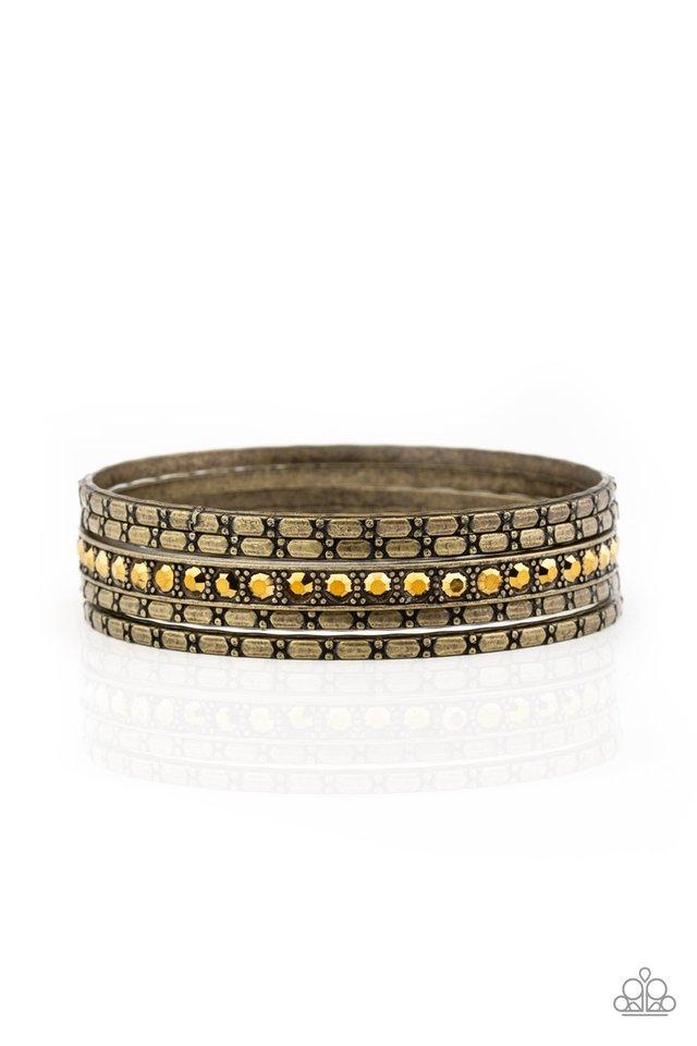 Glitzy Grunge - Brass - Paparazzi Bracelet Image