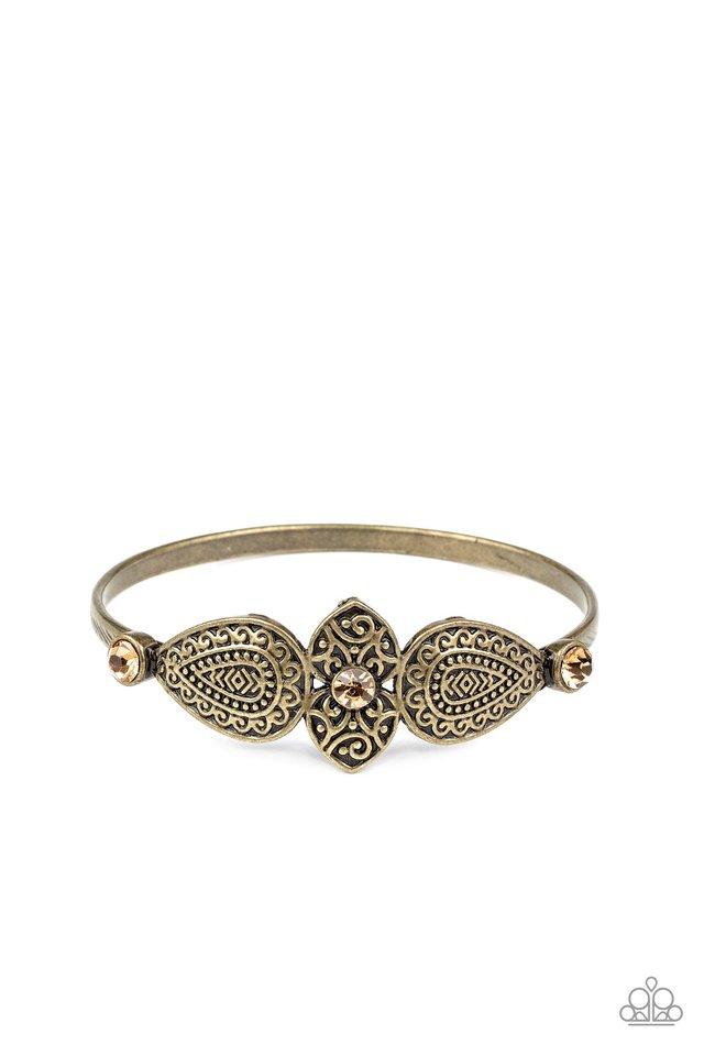 Flourishing Fashion - Brass - Paparazzi Bracelet Image